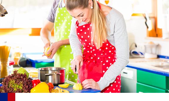 Cozinhar em casa: uma estratégia para cumprir as diretrizes dietéticas dos eua sem custo extra