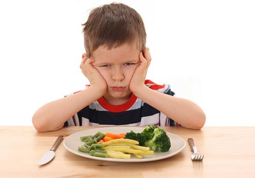 crianças com dificuldades alimentares