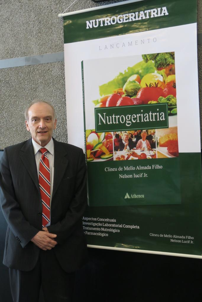 Livro de Nutrogeriatria aborda os tratamentos nutrológicos para os idosos