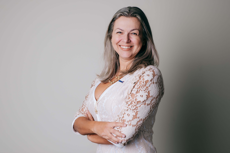 UOL: Médica nutróloga da ABRAN fala dos alimentos que combatem sintomas da rinite