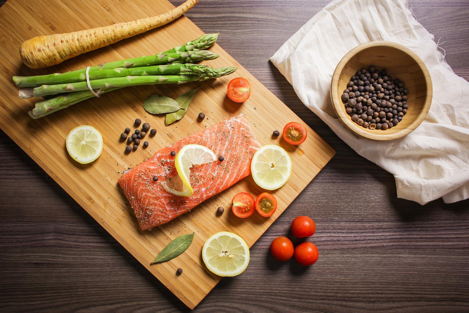 Vitamina D: Médico nutrólogo da ABRAN cita alimentos ricos nesse nutriente