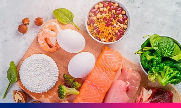 A ingestão de aminoácidos e cetoácido de cadeia ramificada aumenta as taxas de síntese de proteína muscular em adultos idosos