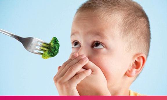 Alimentação balanceada deve ser introduzida o mais cedo possível na vida das crianças